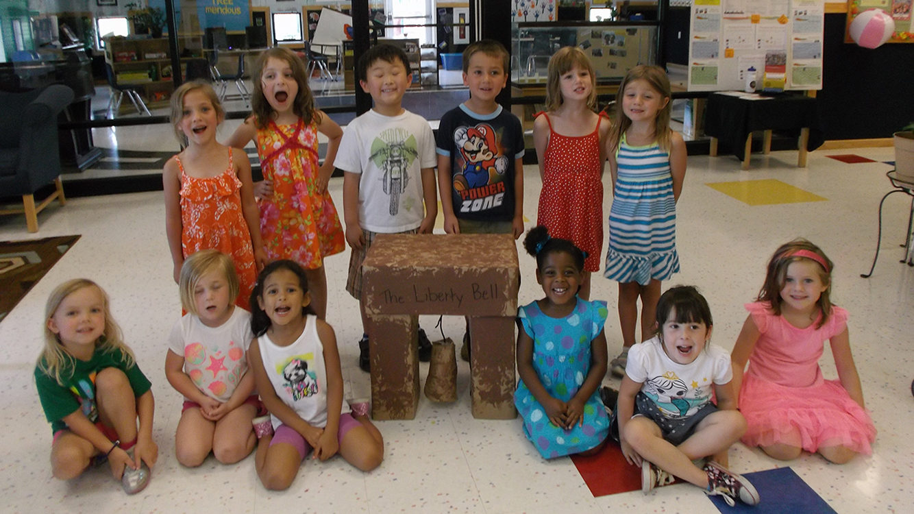 Children with liberty bell project